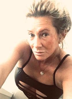Plz 9 Nürnberg Escort Dame Gina 45 Jahre - Blond Sexy & Erfahren
